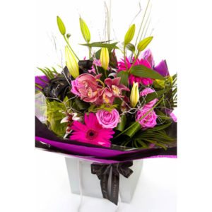 A-lister flower bag online flowers Sheffield