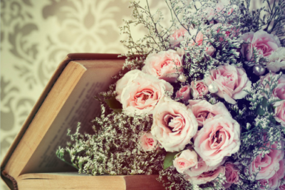 Stunning Cascading Bouquets for Elegant Weddings