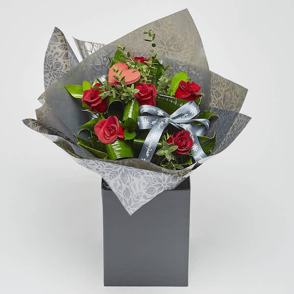 6 red roses florist sheffield