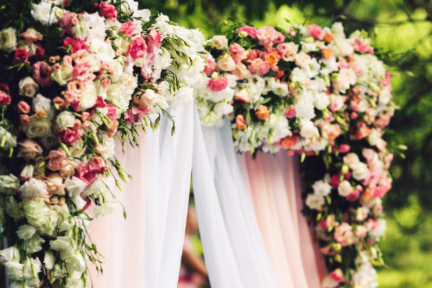 Floral Wedding Arrangements Perfect for Intimate Spaces