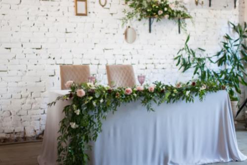 wedding flowers Sheffield table runners